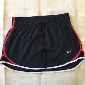 Nike | Black Pink & White Golf/Tennis Skirt Sz S